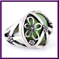 Green Resin Cab Floral Silver Plated Fashion Ring Used